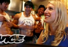 Eating at a Hooters for Women in Japan | Slutever Shorties